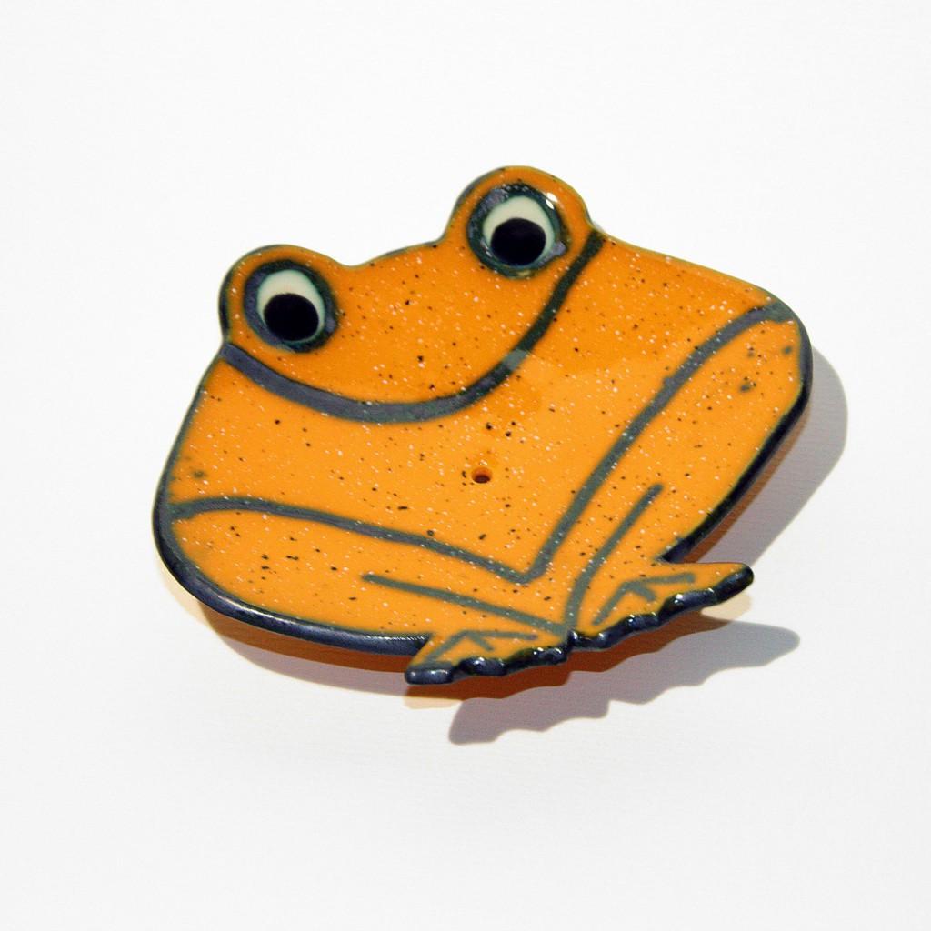 milnik žaba